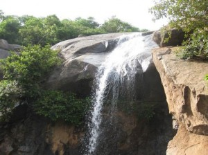jalagamparai water falls